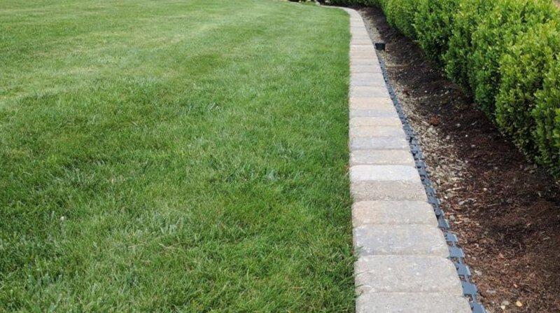 best stone lawn edging