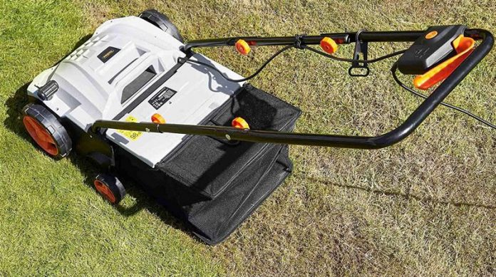 the difference between raking and scarifying